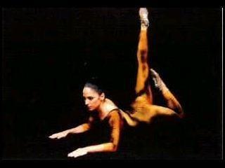 Creaciones coreográficas :de la técnica universal del ballet a lo nuestro